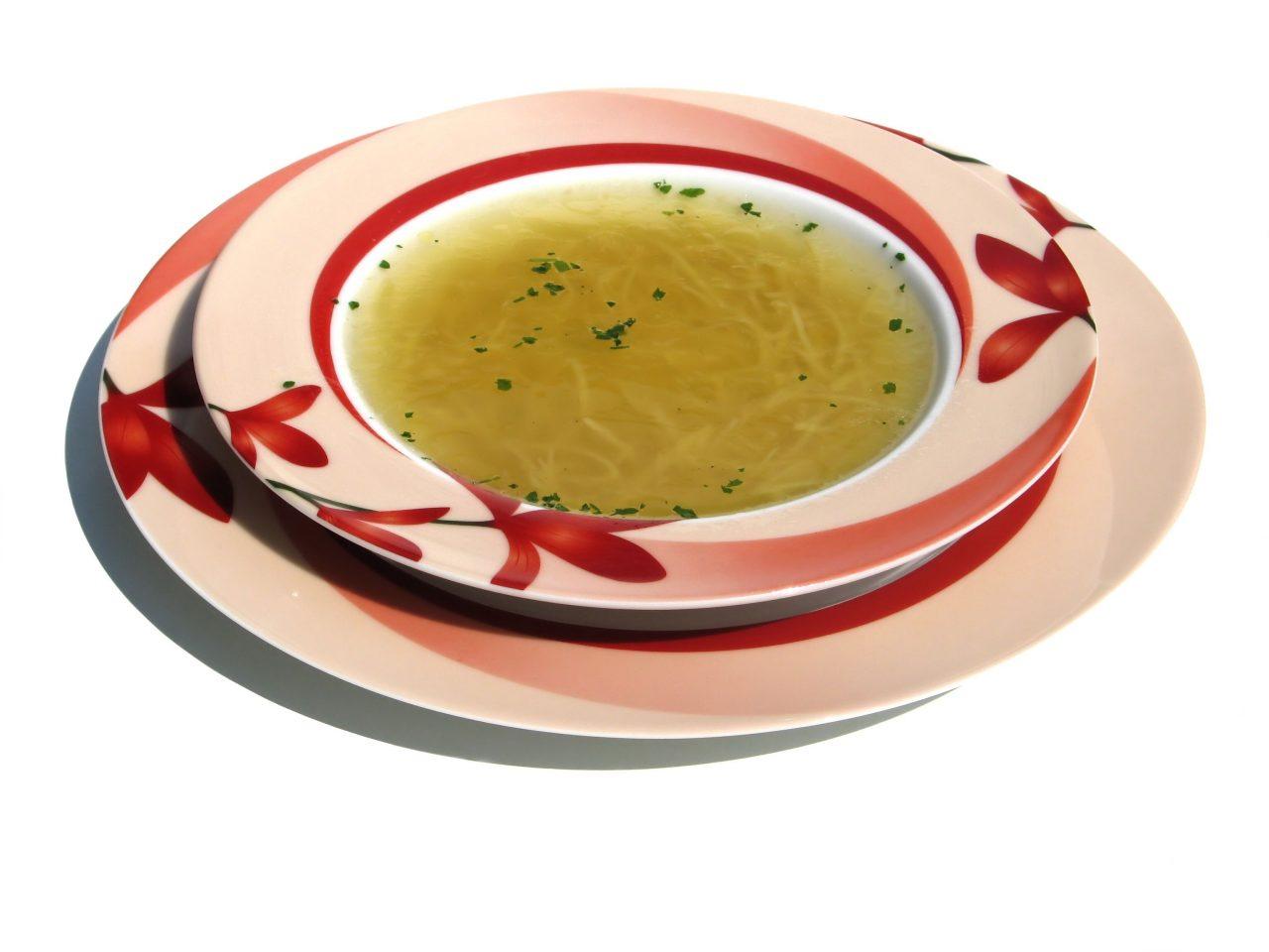 Combate el resfriado con sopa de pollo